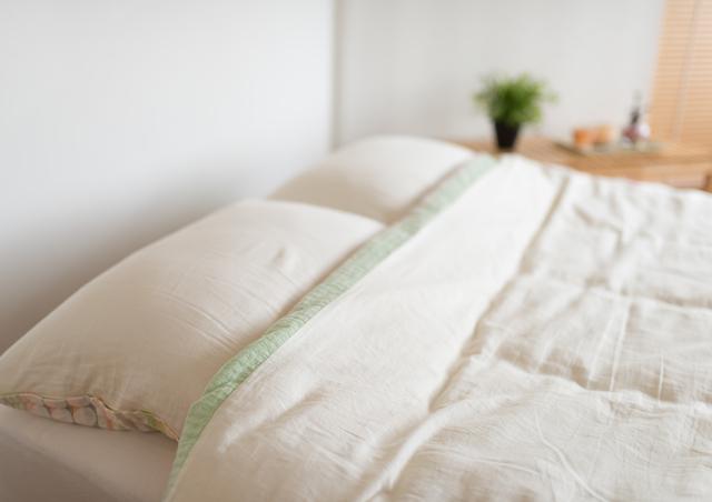 コンタクトをつけたまま寝るのはNG。トラブルになる危険性があります|コンタクト処方箋不要.net