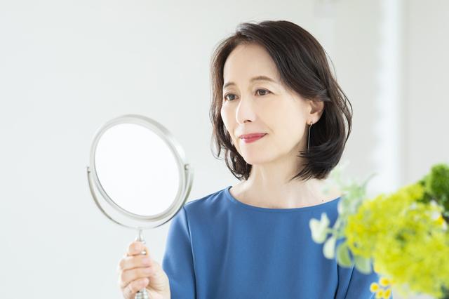 老眼の矯正には遠近両用のコンタクトがおすすめ|コンタクト処方箋不要.net